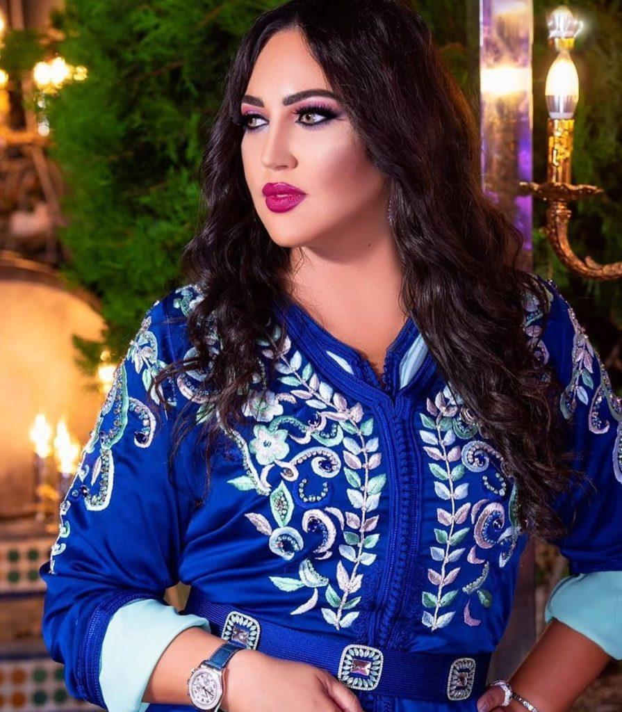 Caftan marocain grande taille en satin de soie