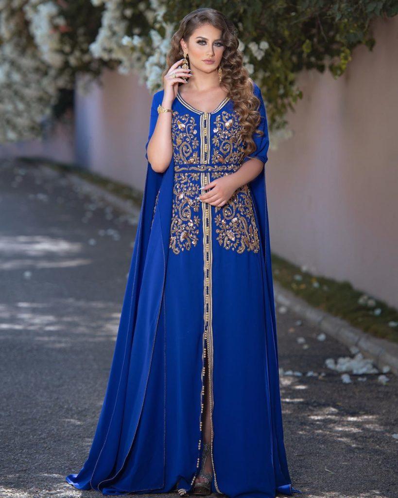 Caftan bleu moderne pour jeune fille