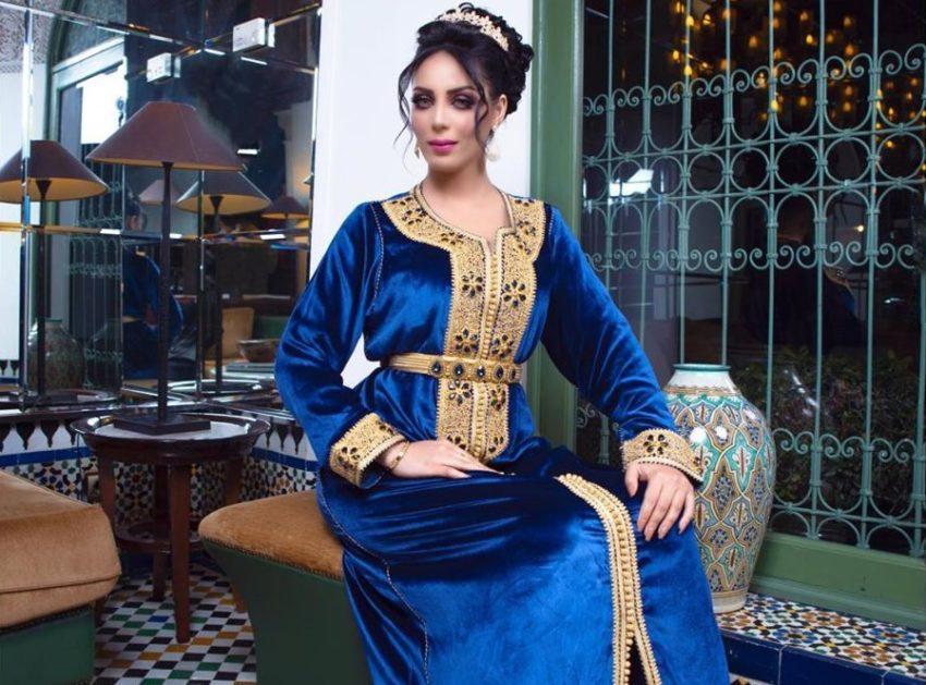 Caftan marocain bleu moderne velours