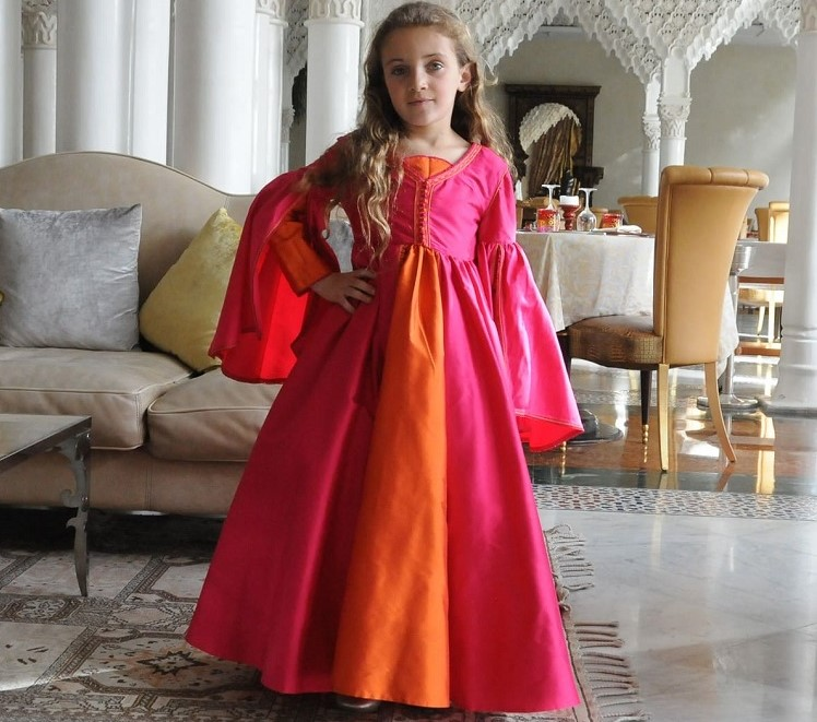 Robe caftan moderne pour petite fille